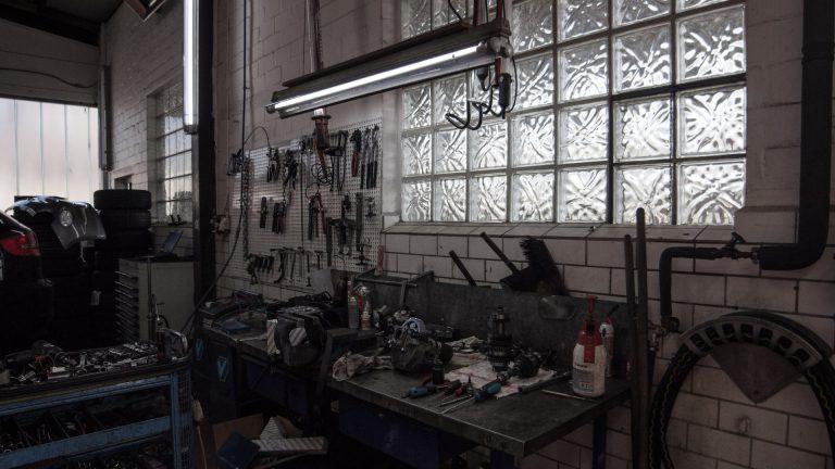 Autohaus Ahlers Werkstatt Werkbank